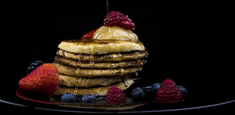 mixed berry and buttermilk pancakes